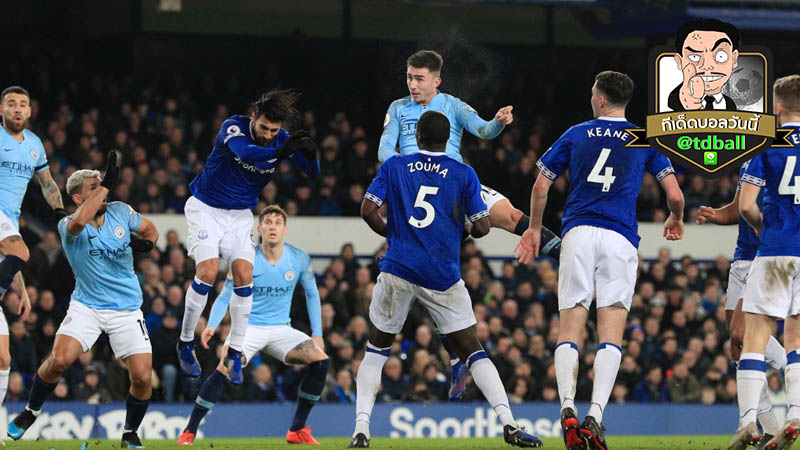td-ball-Everton – Manchester City